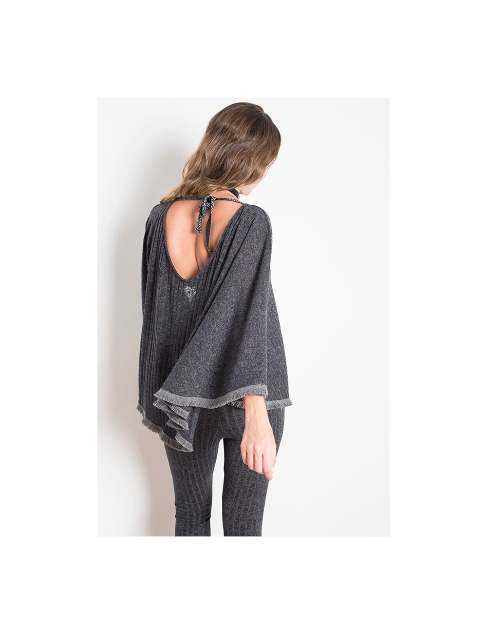 ANABEL PONCHO WINTER